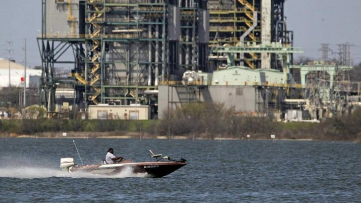 BlueStone drops bid to drill Lake Arlington injection well