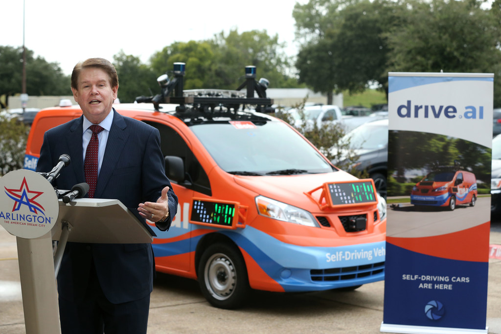 Driverless vans, Arlington's newest ride, will soon ferry Cowboys fans to stadium